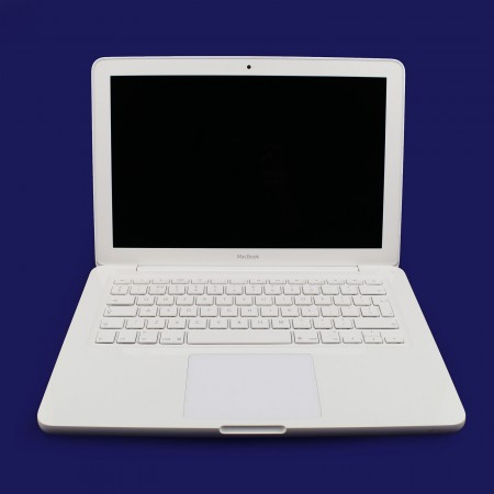 "Apple MacBook unibody 13"" Core 2 Duo 2,4GHz"